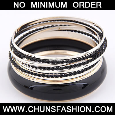 Black Multilayer Bangle