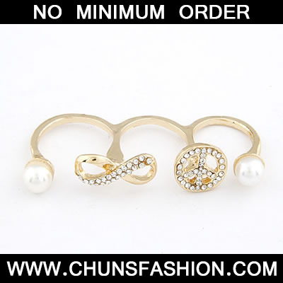Gold Pearl Three Finger Ring