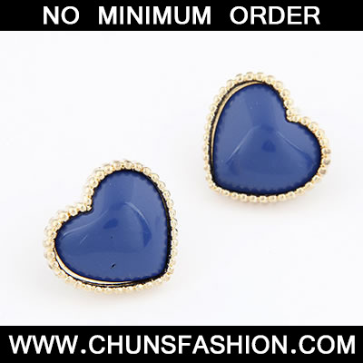 Dark Blue Heat Shape Stud Earring