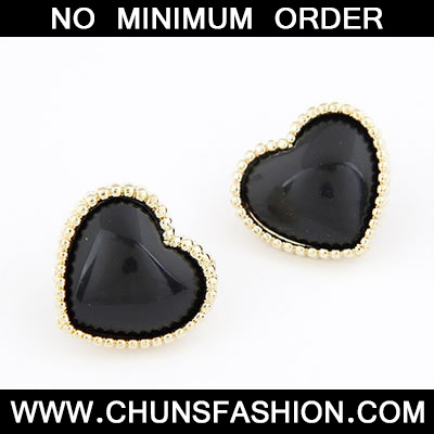 Black Heat Shape Stud Earring