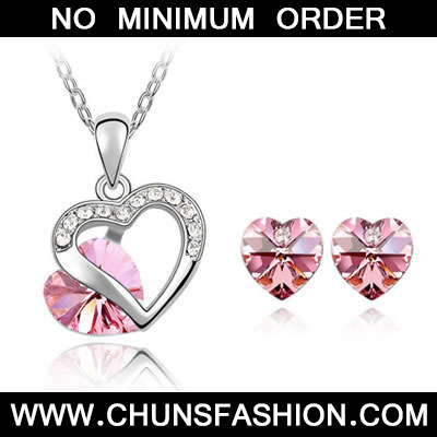 Plum Red Set Heart Appointment Crystal Set
