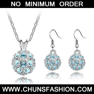 Sea Blue Set Delicately Prettyr Crystal Set