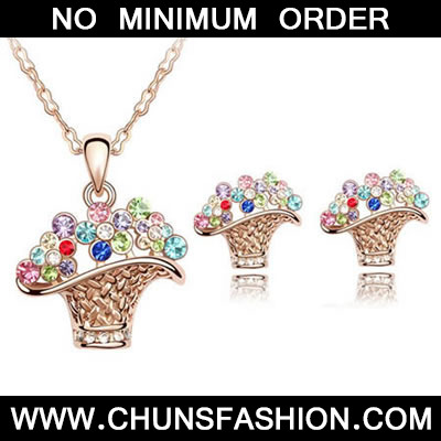 Multicolour Set Flower Basket Crystal Set
