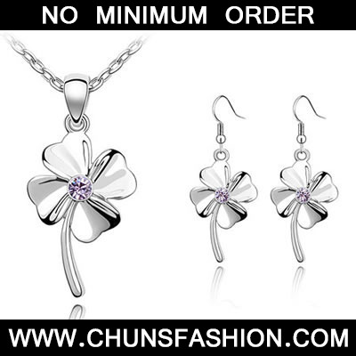 Violet Set Happiness Clover Crystal Set