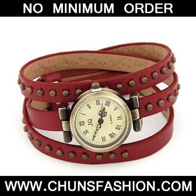 Red Rivet Pu Leather Watch