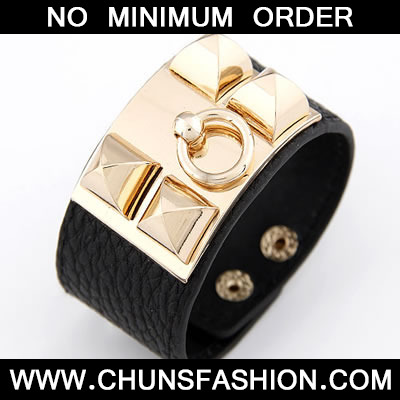 Black Square Rivet PU Bracele