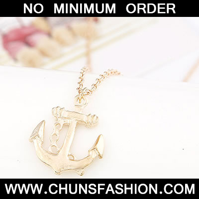 Gold Windmills Shape Pendant Necklace