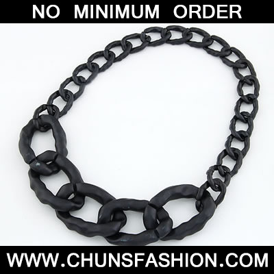 Black Elegant Chain Necklace
