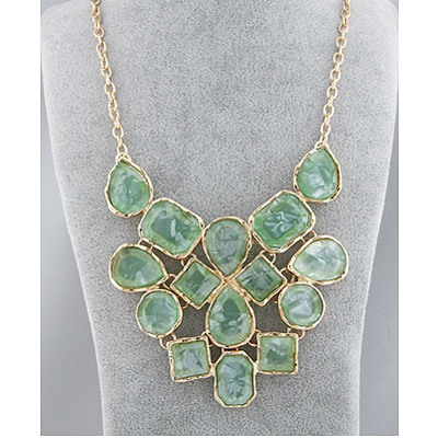 Green Geometric Shape Pendant Necklace