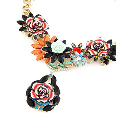 Black Blooming Rose Flowers Necklace