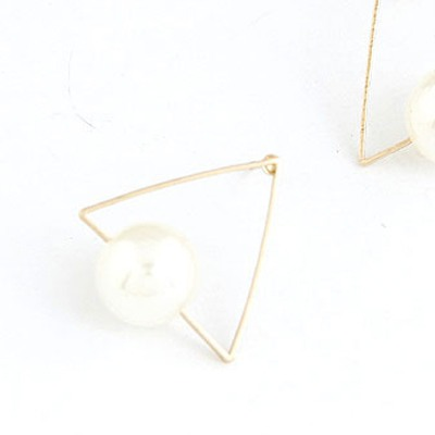 White Triangle Shape With Big Pearl