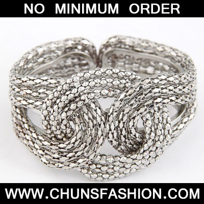 Silver Metal Exaggerated Weaving Bangle