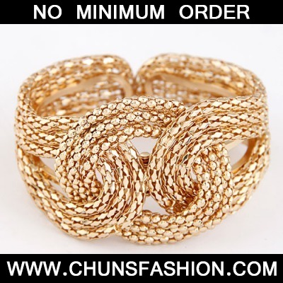 Gold Metal Exaggerated Weaving Bangle