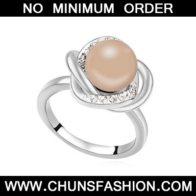 Hop Antique Copper Pearl Crystal Ring