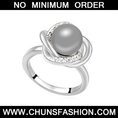 Dark Gray Pearl Crystal Ring