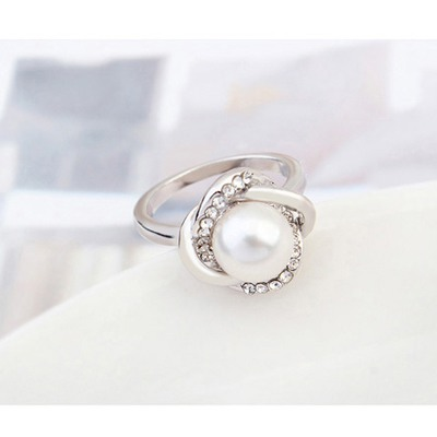 White Pearl Crystal Ring