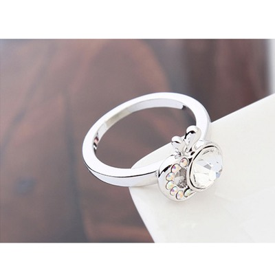 White Apple Shape Austrian Crystal Ring