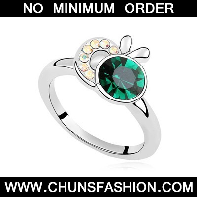 Green Apple Shape Austrian Crystal Ring
