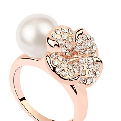 White&Champagne Gold Flower Pearl Crystal Ring