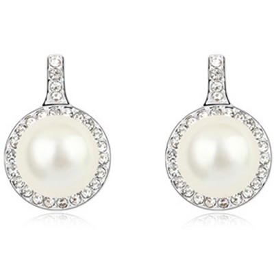 White Round Shape Pearl Crystal Earring