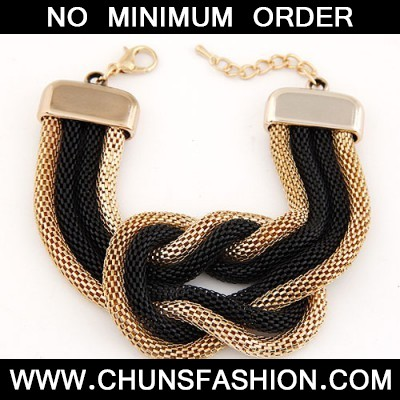 Black Exaggerated Metal Chain Knotted Wide