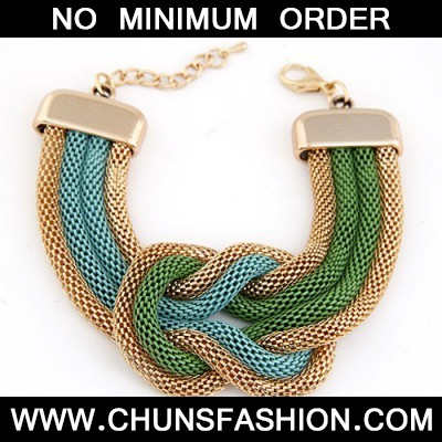 MultiExaggerated Metal Chain Knotted Wide Bracele