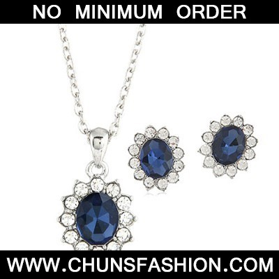 Blue Oval Shape Pendant Jewelry Set