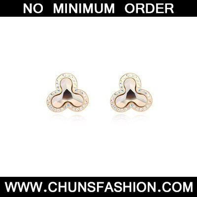 gold flower shape Crystal Earring