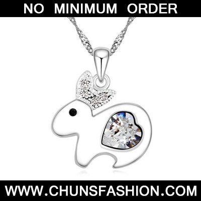 white diamond rabbit pendant Crystal Necklace - Click Image to Close