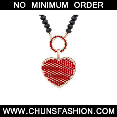 lightred&Champagnegold diamonddecoratedheart shapedpendantalloy Crystal Necklace