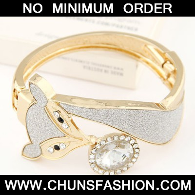 white CZ diamond fox shape Bangle