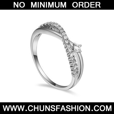 white diamond crossover zircon Crystal Ring