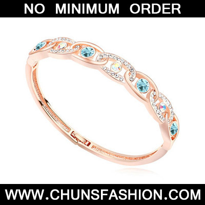 multi& rose gold diamond interlocking Crystal