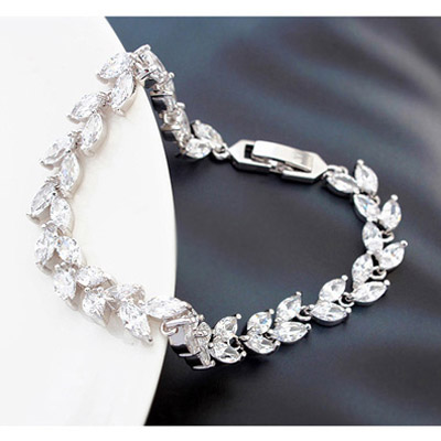 White Diamond Leaf Shape Zircon Crystal