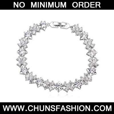 White Diamond Flower Zircon Crystal Bracelet