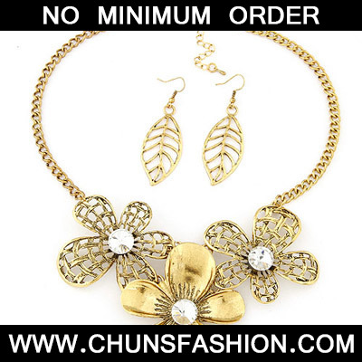 Bronze Diamond Flower Deign Jewelry Set