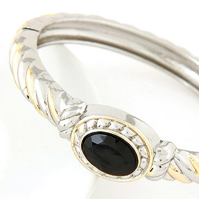 Black Round Shape Bangle