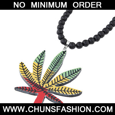 MultiMaple Leaf Pendant Acrylic Necklace
