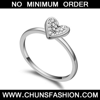 White Heart Shape Zircon Crystal Ring