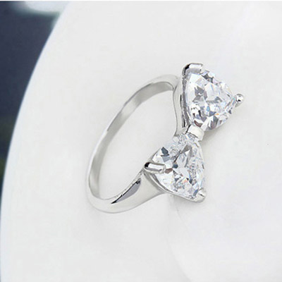 White Bowknot Shape Zircon Crystal Ring