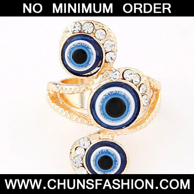 Blue Diamon Eye Shape Ring