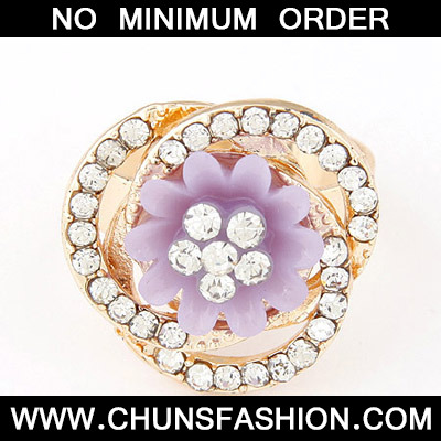 Light Purple Diamond Flower Shape Ring