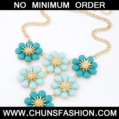 Blue Flower Shape Necklace