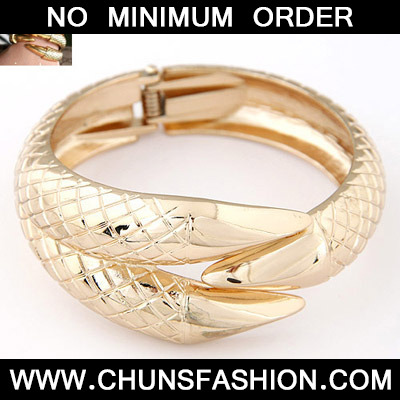 Gold Talon Shape Bangle