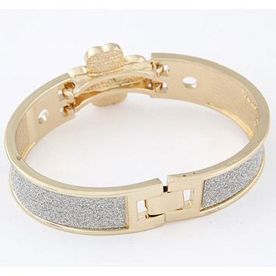 Gold Clover Shape Bangle
