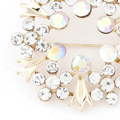 White Diamond Flower Shape Brooche