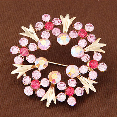 Light Purple Diamond Flower Shape Brooche