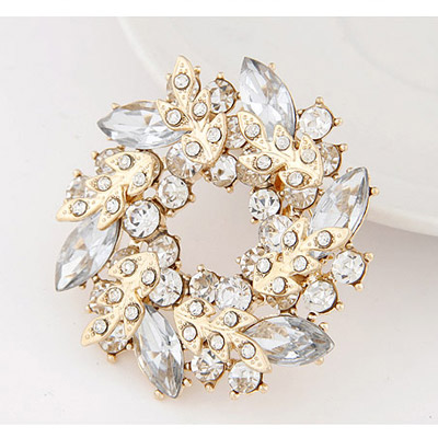 White Diamond Leaf Shape Brooche