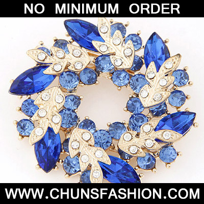 Blue Diamond Leaf Shape Brooche