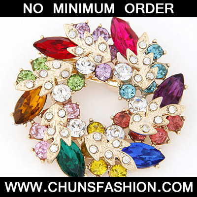 MultiDiamond Leaf Shape Brooche